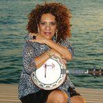 A cantora e instrumentista Dayse do Banjo