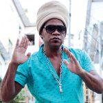 Carlinhos Brown solta o verbo em entrevista à Raça