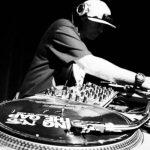 OFICINA DE DJ NO CENTRO CULTURAL DA JUVENTUDE
