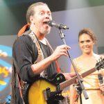 Veja o bate-papo com o cantor Luis Vagner