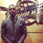 'Não importa o quão famoso você seja, ser negro é difícil', diz LeBron após sofrer ataque racista