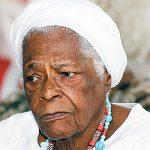 Satélite: familiares pedem intervenção do MP para ter acesso à Mãe Stella de Oxossi