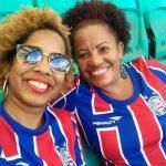 Torcedora do Bahia critica racismo em montagem com fãs do Grêmio: 'É crime'