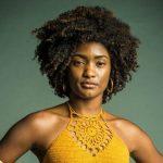 Erika Januza encontra juíza negra que inspirou sua personagem