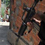Negro e morador de favela têm mais medo da polícia no Rio de Janeiro, diz Datafolha