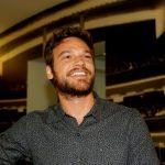 Após críticas por falta de negros, Globo diz que não seleciona atores por cor de pele