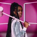 """Apresentadora, Iza reclama da falta de negras na TV: """"Somos pouquíssimas"""""""