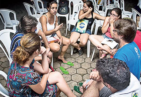 https://revistaraca.com.br/wp-content/uploads/2016/10/Caravana_da_Unio_da_Juventude_Socialista___Parte_3.jpg