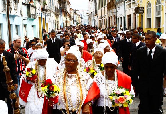 https://revistaraca.com.br/wp-content/uploads/2016/10/Festa_de_Nossa_Senhora_da_Boa_Morte.jpg
