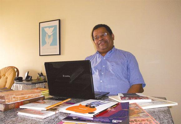 https://revistaraca.com.br/wp-content/uploads/2016/10/Literatura_infanto_juvenil_com_temtica_africana.jpg