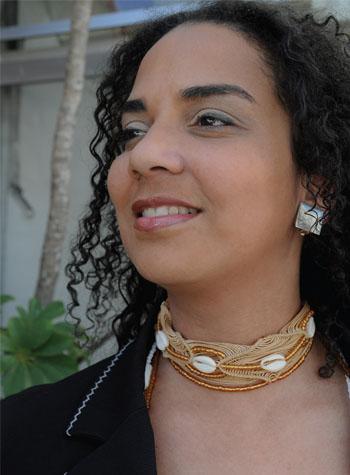 https://revistaraca.com.br/wp-content/uploads/2016/10/O_estudo_como_empreendimento_da_mulher_negra1.jpg