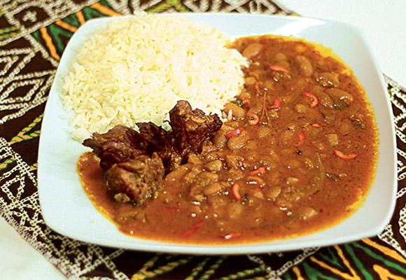 https://revistaraca.com.br/wp-content/uploads/2016/10/Receita_de_comida_angolana.jpg