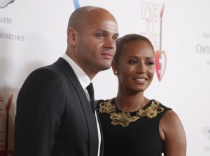 Em 2013, Mel B posa com o então marido, Stephen Belafonte, em Los Angeles (Foto: REUTERS/Fred Prouser)