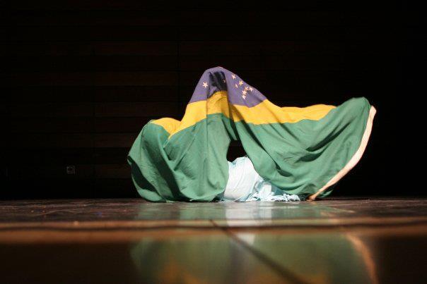 https://revistaraca.com.br/wp-content/uploads/2017/04/FOTO-Na-medida-da-afrodescendencia.jpg