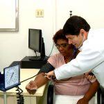 Negros com hipertensão têm mais dificuldade em tratar a doença do que brancos, aponta Unicamp