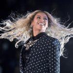 Beyoncé é a mulher mais bem paga da música em 2017, com R$ 342 milhões
