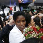 Advogada negra algemada em fórum é homenageada pela Alerj