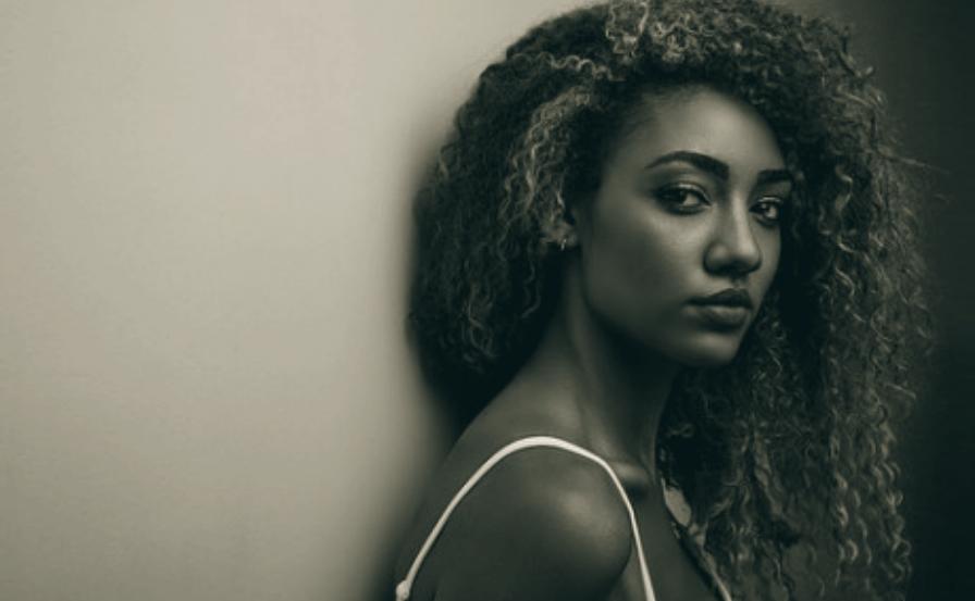 https://revistaraca.com.br/wp-content/uploads/2019/04/mulher-negra.jpg