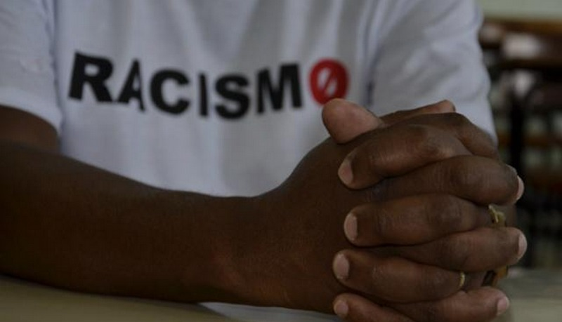 https://revistaraca.com.br/wp-content/uploads/2020/05/Racismo.jpg