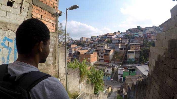 https://revistaraca.com.br/wp-content/uploads/2020/05/Reprodução-Vila-de-Utopia.jpg