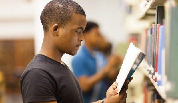 https://revistaraca.com.br/wp-content/uploads/2020/06/o-STUDENT-READING-facebook-e1536600623952-623x360.jpg