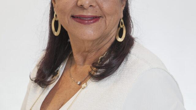 https://revistaraca.com.br/wp-content/uploads/2020/11/Luiza-Helena-Trajano-OFICIAL-640x360.jpg
